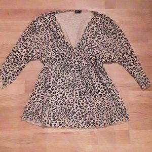 EUC- like new DEX leopard printed top